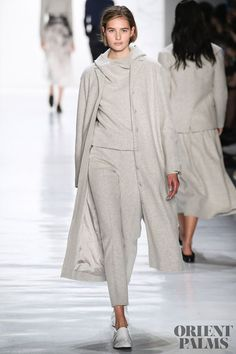 Noon By Noor Fall/Winter - New York - Access Runway - Fashion Week Fashion Shows Sporty Outfits, Classy Outfits, Stylish Outfits, Fashion Outfits, Christopher Shannon, Lou Doillon, Lee Jeans, Betsey Johnson, Winter Stil