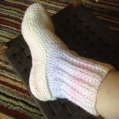 Ravelry: Adult Bed Socks pattern by Jacqueline Gibb Christmas Knitting Patterns, Knitting Patterns Free, Easy Knitting, Knitting Socks, Knit Socks, Knitting Videos, Knitting Projects, Two Needle Socks, Knitted Socks Free Pattern