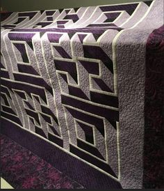 Labrynth Walk pieced by Cindy Lewis and quilted by Libie of libiepdesigns 3d Quilts, Bargello Quilts, House Quilts, Mug Rug Patterns, Quilt Block Patterns, Quilt Blocks, Quilting Projects, Quilting Designs, Quilting Ideas