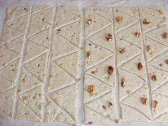 Preparare cornulete Bread, Food, Brot, Essen, Baking, Meals, Breads, Buns, Yemek