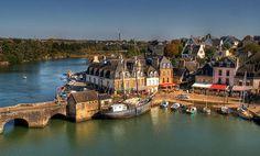 Le Vieux Port de Saint-Goustan.  Golfe du Morbihan.  Brittany