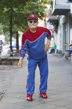Think you're stylish? Then you haven't met Ali. He might be 86 years old but he still cuts a dapper figure on the streets of Berlin. Smart Casual Wear, Casual Wear For Men, Old Man Fashion, Kids Fashion, Little Boy Haircuts, Middle Aged Man, Dapper Gentleman, Older Men, Child Models