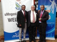 Mayor of uMgungundlovu District Municipality, Cllr Y Bhamjee in centre of dynamic RD @LezMoeti & Municipal Manager, Hon Mr S Khuzwayo