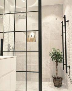 Duschwand Industriedesign Design industrial da parede do chuveiro – – Bathroom Decor Sets, Modern Bathroom, Bathroom Ideas, Bathroom Wall, Bling Bathroom, Glass Bathroom, Minimalist Bathroom, Glass Shower, Shower Ideas