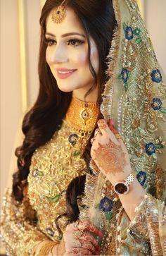 Pakistani Bridal Makeup Red, Pakistani Bridal Makeup Hairstyles, Asian Wedding Dress Pakistani, Asian Bridal Dresses, Wedding Dresses For Girls, Bridal Outfits, Bridal Makeover, Bridal Dress Design, Bridal Photoshoot