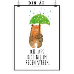 """Poster DIN A0 Bär mit Regenschirm aus Papier 160 Gramm  weiß - Das Original von Mr. & Mrs. Panda.  Jedes wunderschöne Motiv auf unseren Postern aus dem Hause Mr. & Mrs. Panda wird mit viel Liebe von Mrs. Panda handgezeichnet und entworfen.  Unsere Poster werden mit sehr hochwertigen Tinten gedruckt und sind 40 Jahre UV-Lichtbeständig und auch für Kinderzimmer absolut unbedenklich. Dein Poster wird sicher verpackt per Post geliefert.    Über unser Motiv Bär mit Regenschirm  """"Ich lasse dich…"""