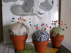 Creative Uses For Flower Pots - Rustic Crafts & Chic Decor Painted Flower Pots, Painted Pots, Colorful Garden, Colorful Flowers, Rustic Crafts, Diy Crafts, Crochet Projects, Sewing Projects, Sewing Ideas