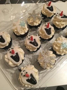 Olaf and snowflake cupcakes to go with the Frozen theme