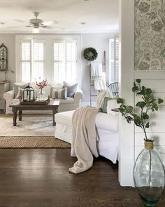 This farmhouse living room is the perfect mixture of vintage and modern comfort. - Cindy Cropper - - This farmhouse living room is the perfect mixture of vintage and modern comfort. Modern Farmhouse Living Room Decor, Cozy Living Rooms, My Living Room, Home And Living, Living Spaces, Rustic Farmhouse, Country Farmhouse, Small Living, Farmhouse Design
