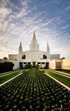 Oakland California LDS Temple - Early morning in the courtyard