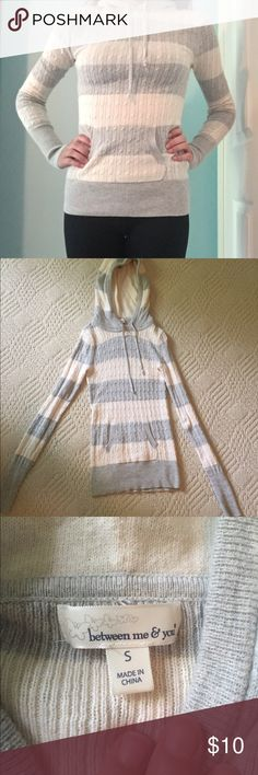 Soft Striped Sweater This is an extremely soft, stretchy sweater perfect for cooler weather wherever you live. It's hardly been worn & is super comfortable! Complete with a big pocket & a hood. I ACCEPT OFFERS Sweaters Crew & Scoop Necks