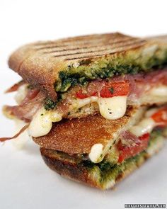 and Pesto Panini This prosciutto and pesto panini is an easy recipe to make for lunch or a light dinner.This prosciutto and pesto panini is an easy recipe to make for lunch or a light dinner. Think Food, I Love Food, Good Food, Yummy Food, Soup And Sandwich, Grilled Sandwich, Sandwich Recipes, Panini Sandwiches, Pesto Sandwich