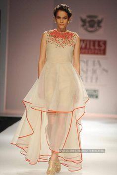 www.iiftbangalore.com Indian Institute of Fashion TechnologyWIFW '15: Samant Chauhan
