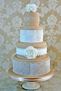 lace wedding decor 23