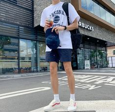 Summer Outfits Men, Stylish Mens Outfits, Short Outfits, Men Summer, Mode Man, Cute Outfits With Leggings, Korean Fashion Men, Mens Clothing Styles, Aesthetic Clothes