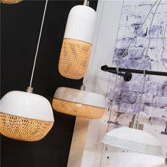 Wow, dit is nou echt een lamp met frisse looks! De GOOD&MOJO Mekong hanglamp is een combinatie van fris shiny wit en duurzaam bamboe. Het gevlochten bamboe zorgt voor een flinke dosis warm licht; dankzij het patroon ontstaat een mooi lichtspel!