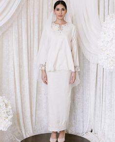 Malay Wedding Dress, Kebaya Wedding, Muslimah Wedding Dress, Muslim Wedding Dresses, Dream Wedding Dresses, Wedding Attire, Bridal Dresses, Bridesmaid Dresses, Hijab Bride