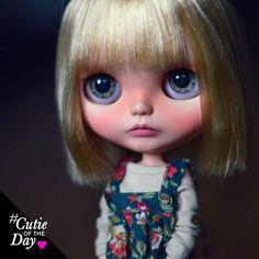 Cutie of the Day #repost from @pliskytrix . . . #dollycustom #cutieoftheday #blythedoll #blythecustom #customizerprofile #blythecustomizer #dollcustom #ooak #ooakdoll #customdoll #dollcollector #blythe #blythestagram #ブライス #blythedoll #customblythe #カスタムブライス #customdoll #doll #人形 #instablythe #toyphotography #toyartistry_elite