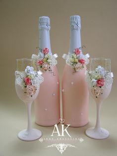 Attempting to find wine flask designs?, this round out is your one-stop-shop from Home made eyeglasses to effectively severely posh cheese trays. Wine Bottle Art, Painted Wine Bottles, Diy Bottle, Painted Wine Glasses, Reuse Bottles, Wedding Wine Glasses, Wedding Champagne Flutes, Wedding Bottles, Champagne Glasses