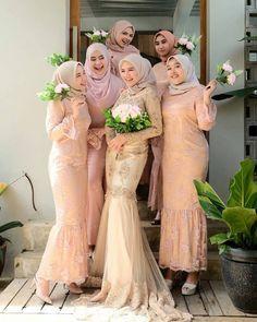 ideas for party fashion style brides Kebaya Muslim, Kebaya Hijab, Kebaya Dress, Muslim Dress, Muslimah Wedding Dress, Muslim Wedding Dresses, Dress Brokat, Kebaya Brokat, Hijab Dress Party