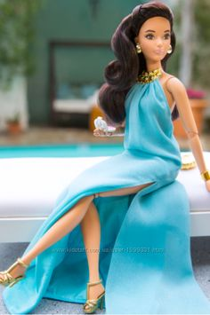 Check out the The Barbie Look Barbie Doll - Pool Chic at the official Barbie website. Explore all Barbie dolls and accessories now! Mattel Barbie, Barbie Dress, Barbie Doll, Fashion Sewing, Fashion Dolls, Fashion Shoes, Barbie Fashionista Dolls, Diva Dolls, American Girl