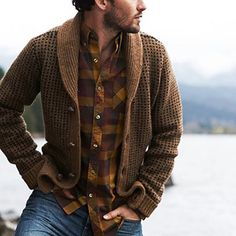 137 best mens fashion styles men looks cool – page 3 Mens Fashion Sweaters, Casual Sweaters, Sweater Fashion, Men's Cardigans, Rugged Style, Style Men, City Style, Looks Cool, Men Looks