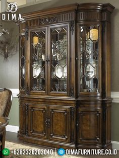 Jual Lemari Kaca Hias Luxury Carving Natural Classic Design TTJ-1460 Antique China Cabinets, Curved Glass, Cabinet Styles, Great Pictures, Carving, Luxury, Antiques, Classic, Interior