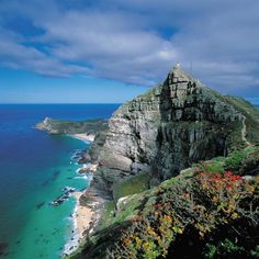 South Africa is one of the most diverse and enchanting countries in the world and the perfect destination for your next group trip. Exotic combinations of landscapes, people, history and culture offer travelers a unique and inspiring experience.