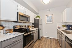 Our restyled apartment homes are equipped with black appliances, updated cabinetry and lighting, washers and dryers, private patios, and smart home technology. Pet Friendly Apartments, Fountain Hills, Apartment Communities, Black Appliances, Smart Home Technology, Luxury Apartments, Kitchen Cabinets, Floor Plans, Dryers
