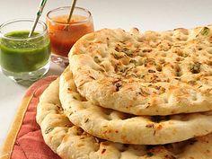 Un Naam típico del Norte de India, relleno de cebolla, patata y especias.