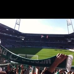 Ach wie schön ists doch im Weserstadion! Wo die Weser einen großen Bogen macht....