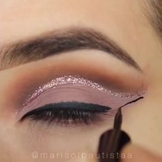 tutorials inspire glitter makeup pretty ideas night these next your look will you for wow TOP 3 GLITTER MAKEUP TUTORIALS WOW These pretty makeup ideas will inspire you for your next nightYou can find Eyeshadow makeup looks and more on our website Eye Makeup Glitter, Glitter Makeup Tutorial, Makeup Looks Tutorial, Glam Makeup, Eyeshadow Makeup, Beauty Makeup, Dramatic Makeup, Make Up Tutorials, Makeup Tutorial For Beginners