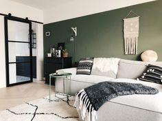 The Best 2019 Interior Design Trends - Interior Design Ideas Living Room Green, New Living Room, My New Room, Interior Design Living Room, Home And Living, Living Room Designs, Living Room Decor, Bedroom Built Ins, House Inside