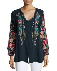 Johnny Was Plus Size Peacock Embroidered Georgette Top In Deep Dawn (navy) Modest Fashion, Boho Fashion, Fashion Dresses, Womens Fashion, Fashion Top, Street Fashion, Hippy Chic, Boho Chic, Boho Style