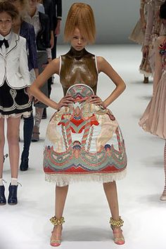 Alexander McQueen Spring 2005 Ready-to-Wear - Collection - Gallery - Style.com