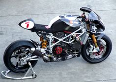 Radical Ducati ST2 - Ducati Cafe Racer #motorcycles #caferacer #motos | caferacerpasion.com