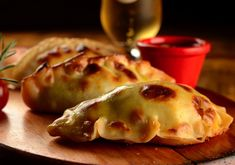 Empanadas argentinas do Che Barbaro (Foto: Wellington Nemeth) Breakfast And Brunch, Cooking For Dummies, Empanadas Recipe, Good Food, Yummy Food, Cooking Ingredients, Frugal Meals, Creative Food, Food Photo
