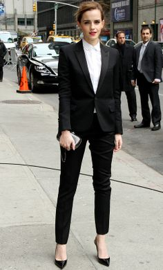 Emma Watson. Tuxedo Yves Saint Laurent