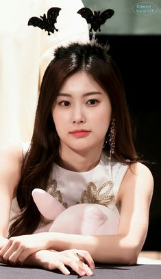 Hush Hush, Korean Girl, Kpop, Celebrities, Neko, Faces, Asian, Beauty, Girls