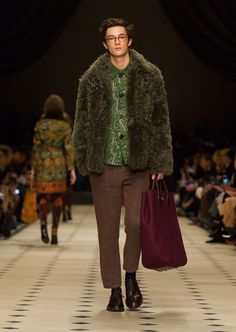 Burberry Prorsum Womenswear Autumn/Winter show 2015 | Burberry