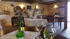 Visit Koraćeva Kuća restaurant in Konavle, Croatia to try traditional Dalmatian dishes peka and pašticada, and enjoy unrivalled hospitality and a warm welcome. Split Croatia, Best Places To Eat, Dubrovnik, Dalmatian, Elle Decor, Table Settings, Dishes, Traditional, Interior