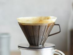 Make your own Blue Bottle style dripped coffee at home. Kinto 2 cup pour over filter kit Slow Coffee Style Japanese design Coffee In A Cone, Drip Coffee, V60 Coffee, Coffee Maker, Pour Over Coffee Filter, Coffee Filters, Blue Bottle, Cup Design, Japanese Design