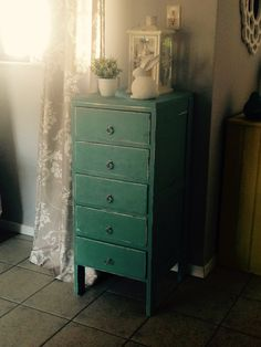 Annie Sloan drawer makeover Rhubarb Marmalade, Dresser As Nightstand, Annie Sloan, Drawers, Table, Furniture, Design, Home Decor, Decoration Home