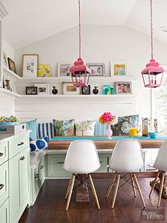 Home Decor Ideas to Give Your Home A Much Classy Look. Home Decor Ideas to Give Your Home A Much Classy Look. Ceiling Molding Ideas Home Sweet Home Coin Banquette, Colours That Go Together, Deco Cool, Decoracion Vintage Chic, Kitchen Paint Colors, New Kitchen, Green Kitchen, Kitchen Ideas, Pastel Kitchen