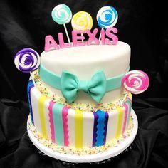 Happy Birthday Alexis!🍭🍬🎉 #candy #lollipop #topsy #turvy #custom #cake #cakery #parkave