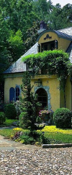 """Leo designed this Country French Guest cottage. Leo's signature touch is """"A Dusting Of The Centuries"""". Leo applies aging techniques to give his projects the look only time can usually create. French Country Farmhouse, French Cottage, French Country Style, Cottage Style, Country Life, French Decor, French Country Decorating, Provence, Cottage Interiors"""