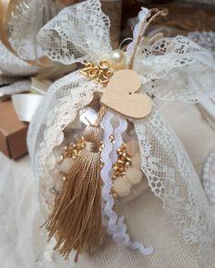 Χειροποίητα γούρια για τα Χριστούγεννα!Χειροποίητα γούρια για το 2019 by valentina-christina handmade products 2105157506 Christmas Balls, Christmas Crafts, Christmas Ornaments, Lucky Charm, Stencils, Easter, Charmed, Diy Crafts, Candles