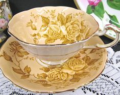 Paragon tea cup and saucer peach ROSES pattern teacup wide mouth box shape