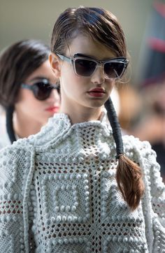 Bora+Aksu+Backstage+London+Fashion+Week+SS15+p0uwnEMSSoKl.jpg (387×594)
