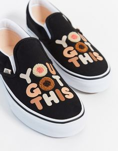 Vans You Got This slipper disponibles sur girlsonmyfeet.com, click to shop 🔗 Basket Vans, Baskets, Asos, Slip On Trainers, Buy Vans, Profile Design, Vans Sneakers, Breast Cancer, Slippers